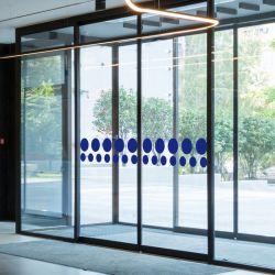 Signalisation accueil du public - Bandes de marquage de vitres - Format rond - Lot de 4 bandes